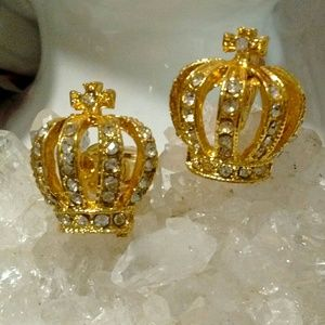 Crown cuff links set
